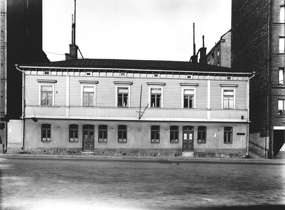 Fredrikinkatu 61.
