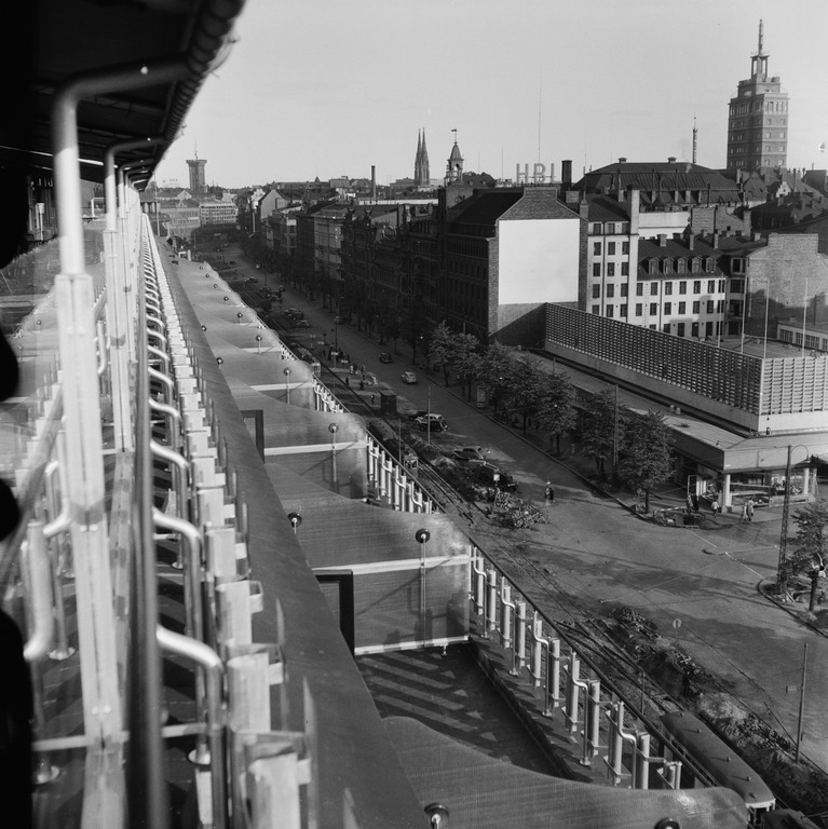Näköala Hotelli Vaakunan parvekkeelta Mannerheimintielle