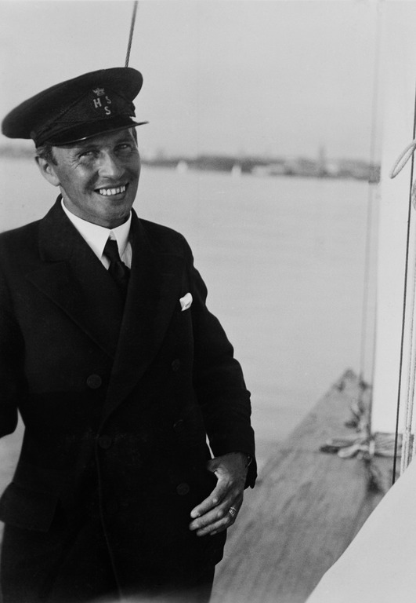 Constantin Grünberg purjehtimassa perhetuttaviensa Eichholzien Tammettarella