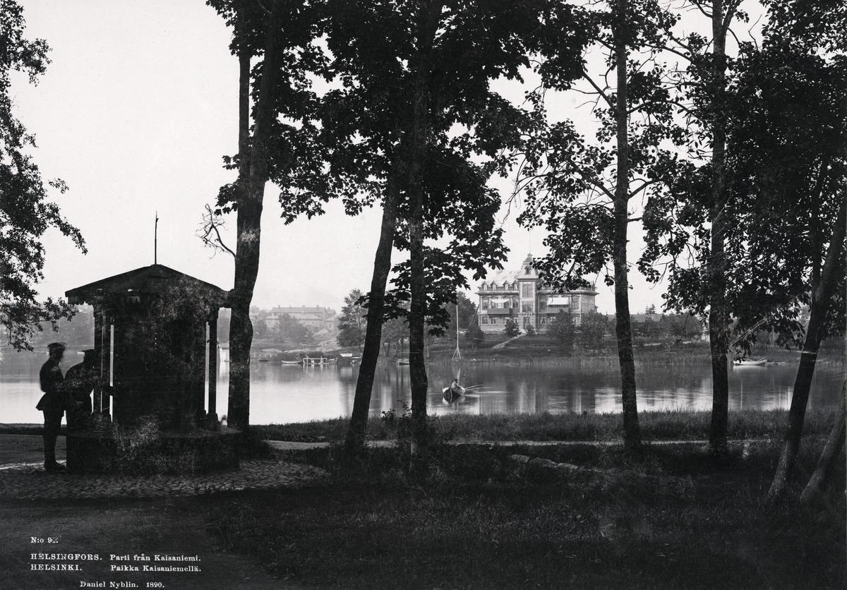 Kaisaniemen puisto ja Kaisaniemen lahti.