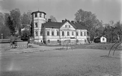 Oulunkylän Seurahuone, Larin Kyöstin tie 7, Veräjämäki, Oulunkylä.