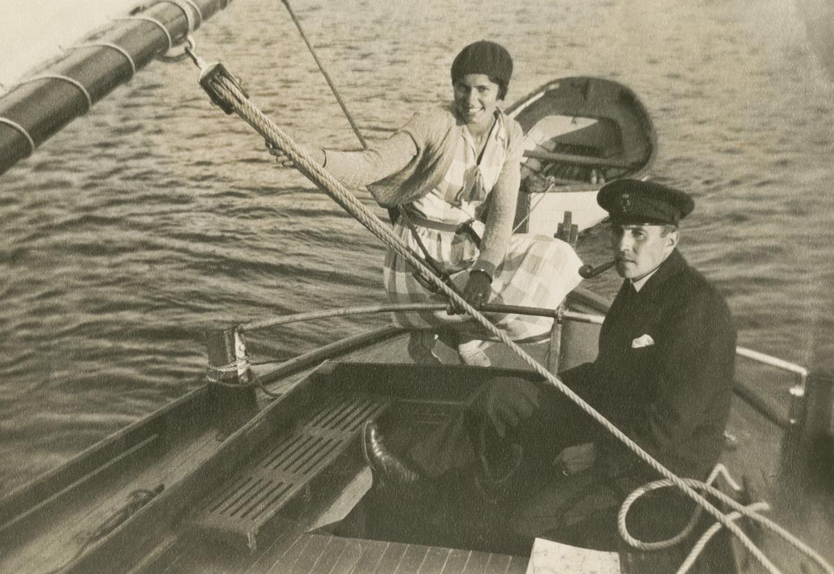 Valokuvaaja Constantin Grünberg purjehtimassa