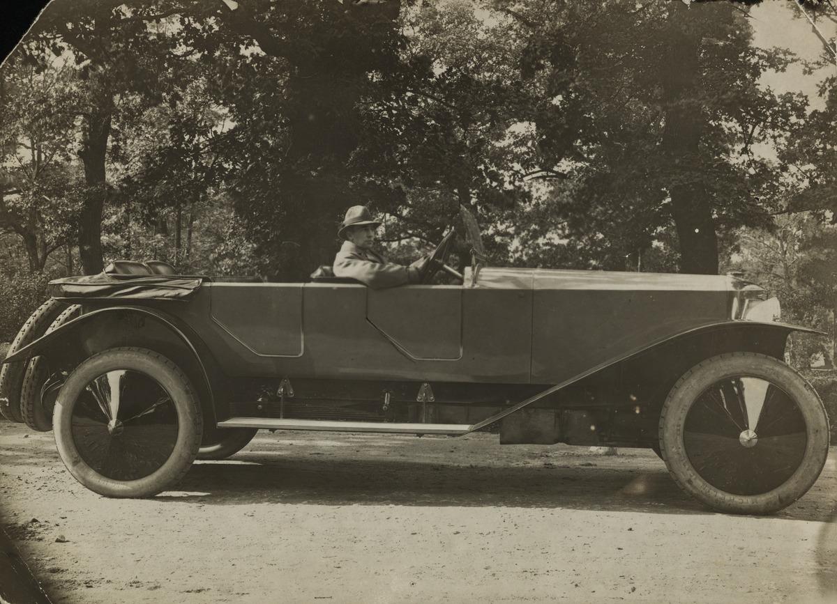 Constantin Grünberg Austro-Daimlerin ratissa, mahdollisesti Virossa