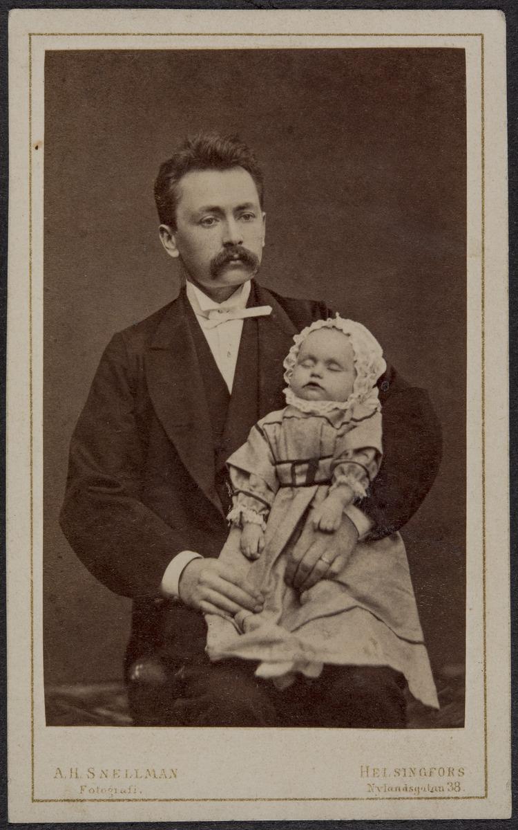 Mies ja vauva