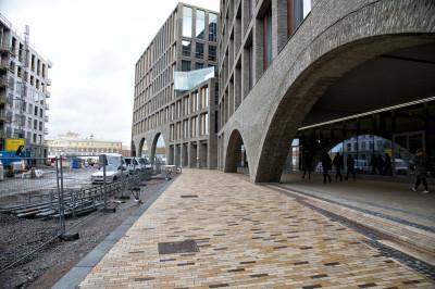 Helsingin kaupungin kaupunkiympäristön toimialan käyttöön kesällä 2020 valmistunut Lahdelma & Mahlamäki arkkitehtien suunnittelema Kaupunkiympäristötalo