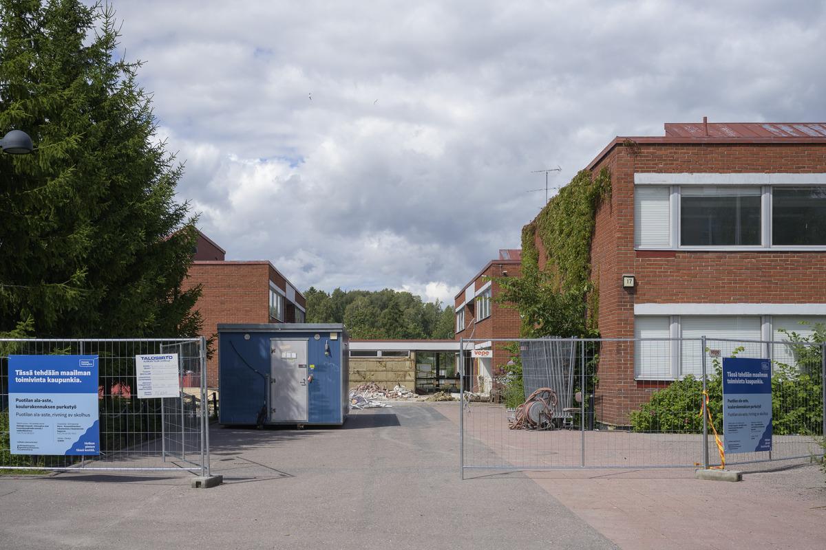 Puotilan ala-asteen vanha koulurakennus