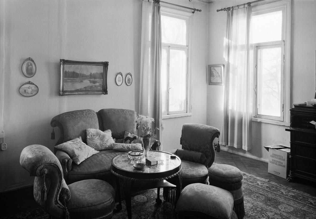 Villa Solhem, Meilahti 20. Olga Möllerin ja Elsa Nikkasen koti.