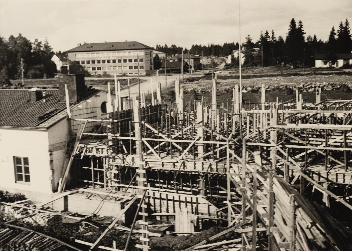 Kutomontie (nykyään Kutomotie) 2, Pitäjänmäki, kuvattu pohjoiseen päin