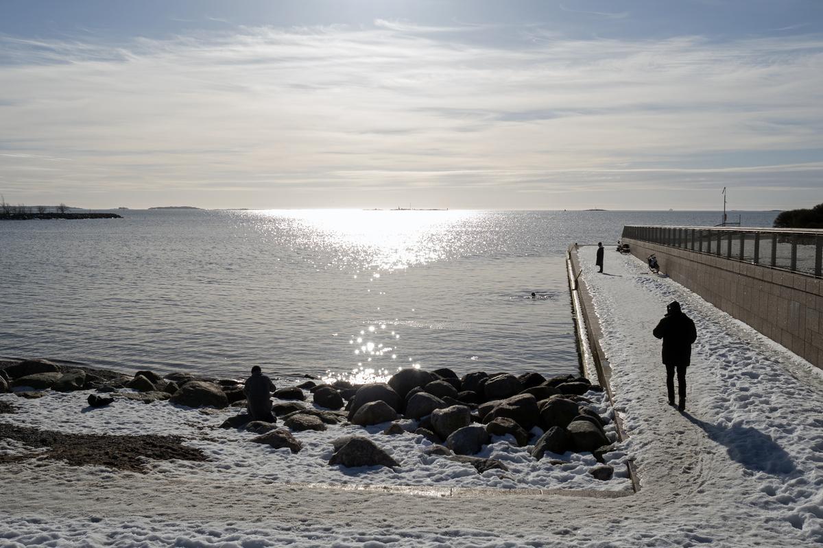 Jäät ovat juuri lähteneet Eiranrannasta koronapandemia-ajan toisena keväänä
