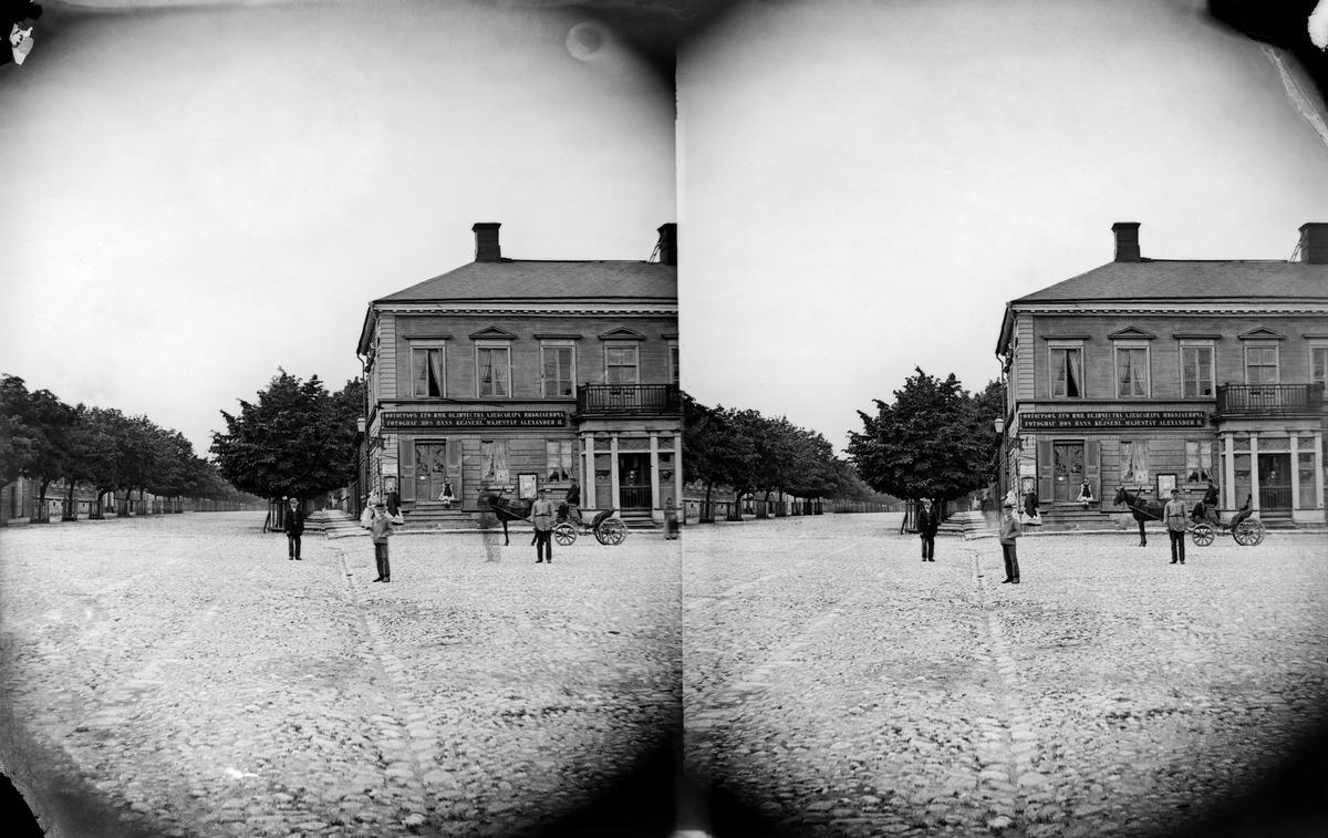 Läntinen Heikinkatu 6 (= Mannerheimintie 2), valokuvaaja Eugen Hoffersin valokuvaamo